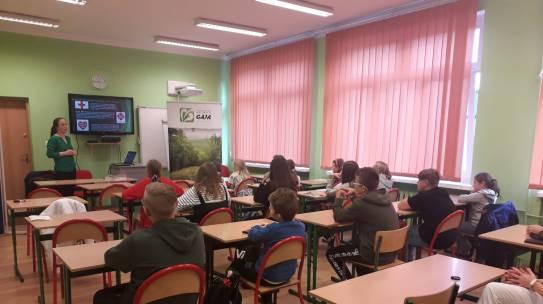 Promocja projektu INT142 podczas Nocy Bibliotek w Szkole Podstawowej Nr 1 w Gryfinie